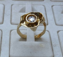 Load image into Gallery viewer, zircon gold ring