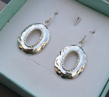Load image into Gallery viewer, Silver Hammered Earrings