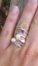 Load image into Gallery viewer, Leaves Pearls Silver Ring