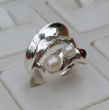 Load image into Gallery viewer, Peaarls Silver Ring