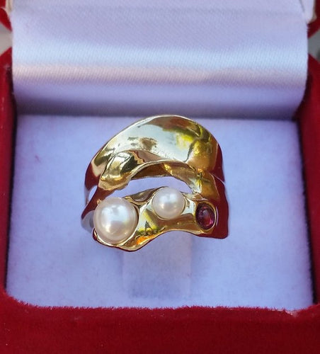 pearls gold ring