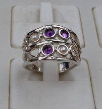 Load image into Gallery viewer, pearl and amethyst ring