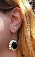 Load image into Gallery viewer, women dangle earrings