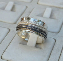 Load image into Gallery viewer, unisex spinner ring