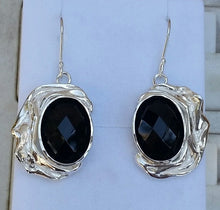 Load image into Gallery viewer, silver onyx earrings