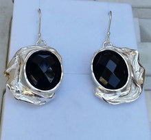 Load image into Gallery viewer, silver oval earrings
