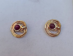 gold ruby studs
