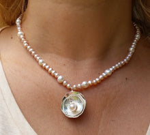 Load image into Gallery viewer, pink pearl necklace