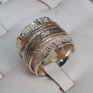 wide spinner ring