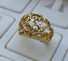 Load image into Gallery viewer, Gold Friendship Ring