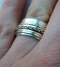 Load image into Gallery viewer, Silver And Gold Wedding Band
