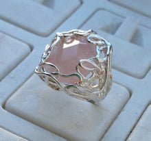 Load image into Gallery viewer, Silver Rose Quartz Ring