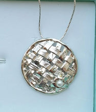 Load image into Gallery viewer, sterling silver pendant