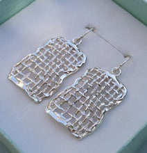 Load image into Gallery viewer, sterling silver earrings