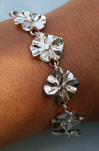 Load image into Gallery viewer, Silver Flower Link Bracelet