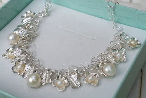 Silver Pearl Flowers Necklace