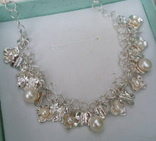 Load image into Gallery viewer, pearls necklace