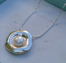 Load image into Gallery viewer, Silver Pearl Pendant