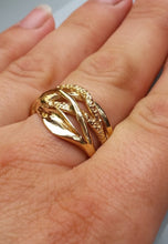 Load image into Gallery viewer, Gold Statement Ring