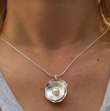Load image into Gallery viewer, women pearl pendant