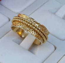 Load image into Gallery viewer, gold spinner ring