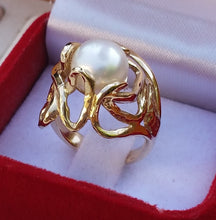 Load image into Gallery viewer, gold pearl ring