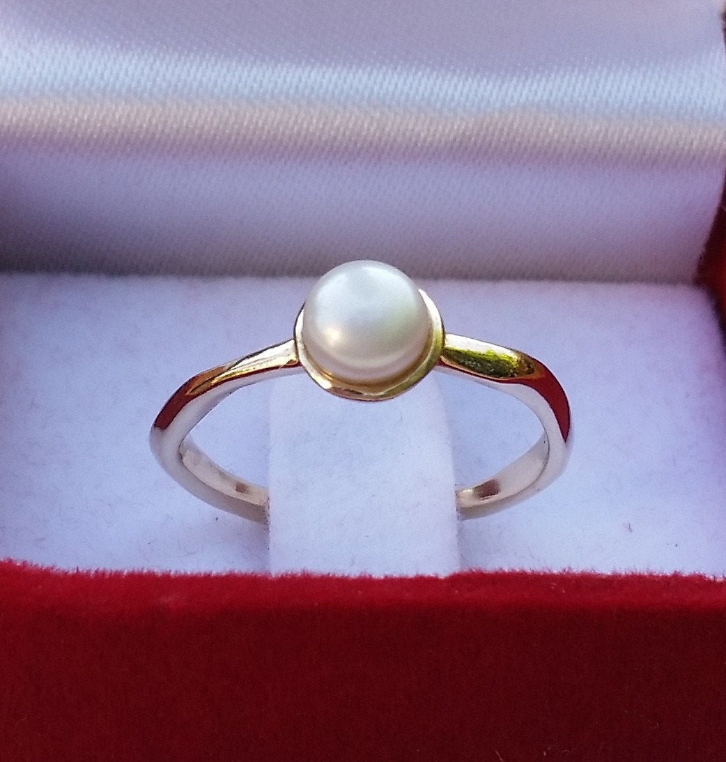 gold pearl ring