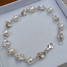 Load image into Gallery viewer, flower silver bracelet