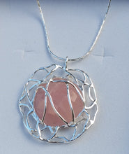 Load image into Gallery viewer, rose quartz pendant