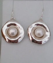 Load image into Gallery viewer, Silver Pearl Earrings