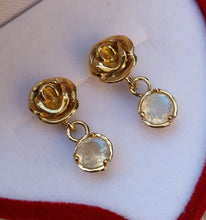 Load image into Gallery viewer, moonstone gold earrings