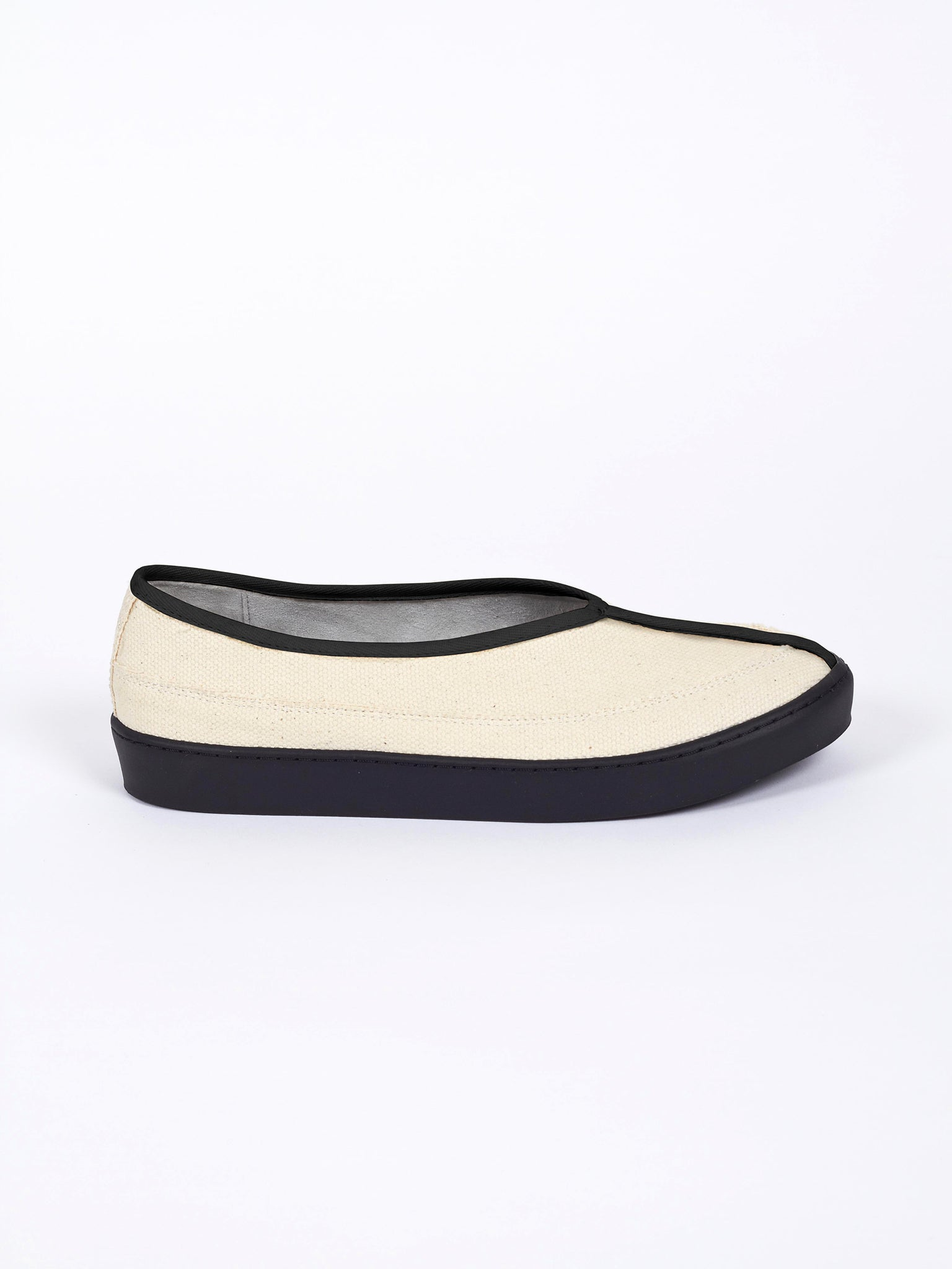 Ming Slip on Ecru Black