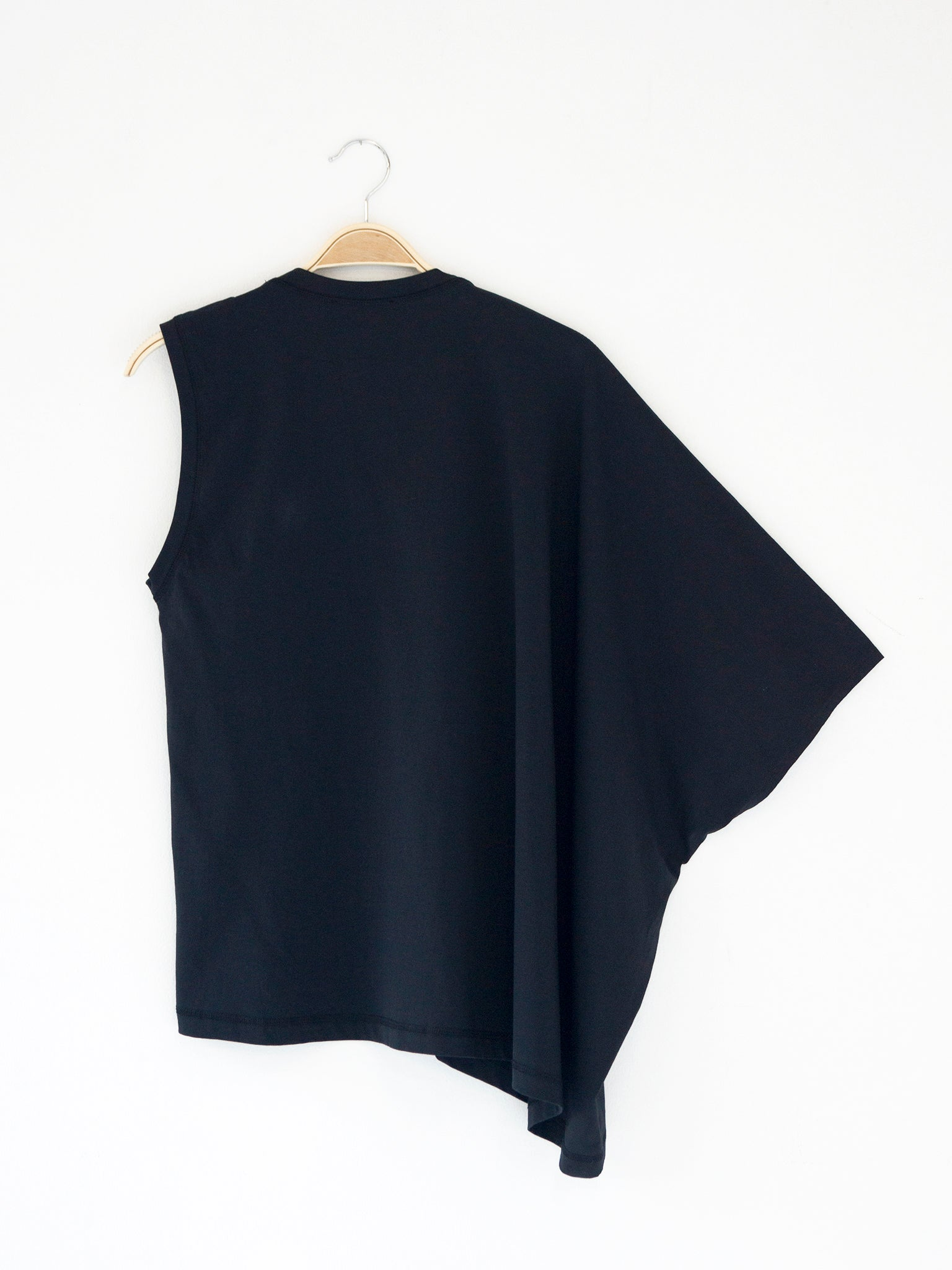 Reality Studio Circle Top Black