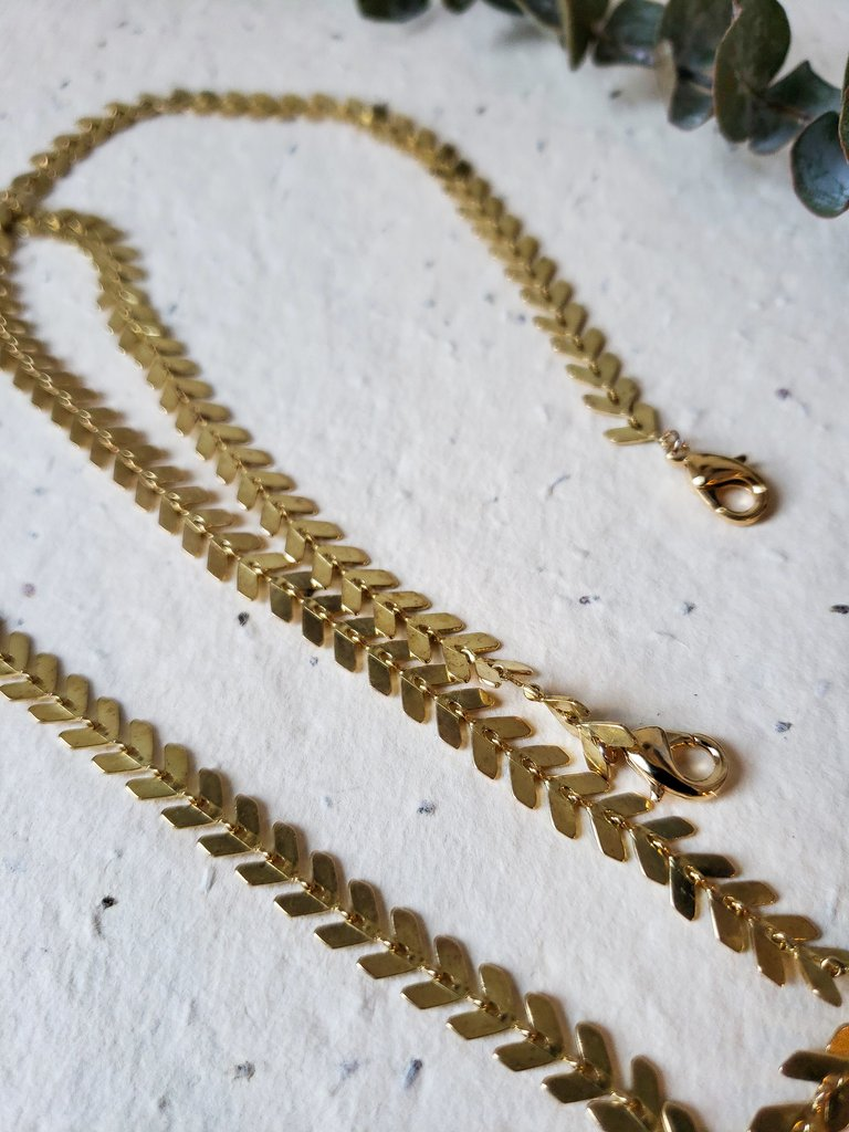 Raw brass chevron link mask chain