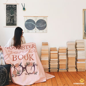 bookish-hooded-blanket-for-book-lovers-emposia