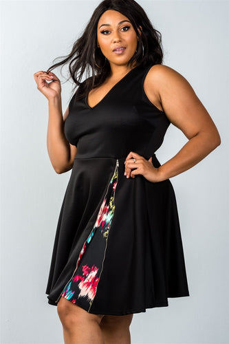 Plus Size - Sleeveless Dress with Floral Zip Detail