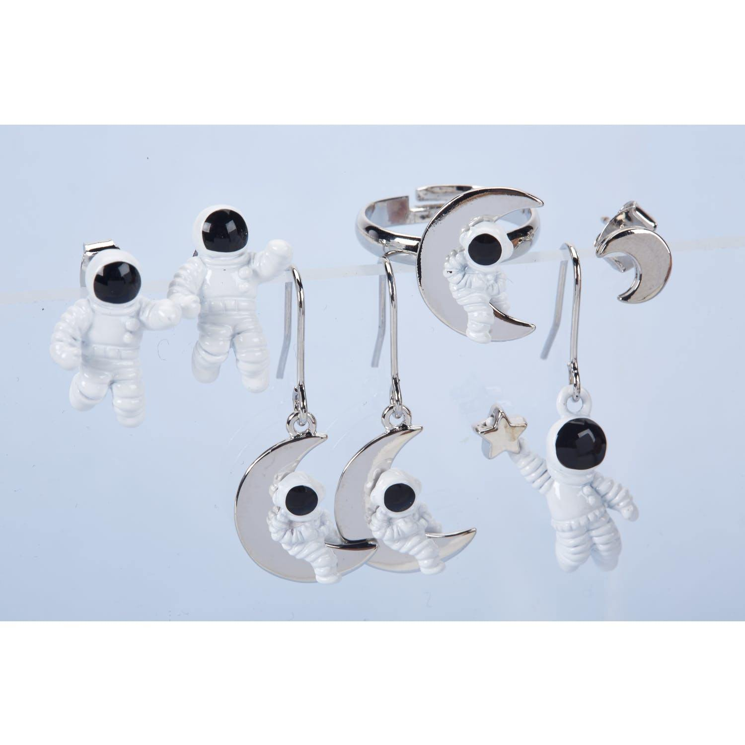 Astronaut Star Drop Earrings