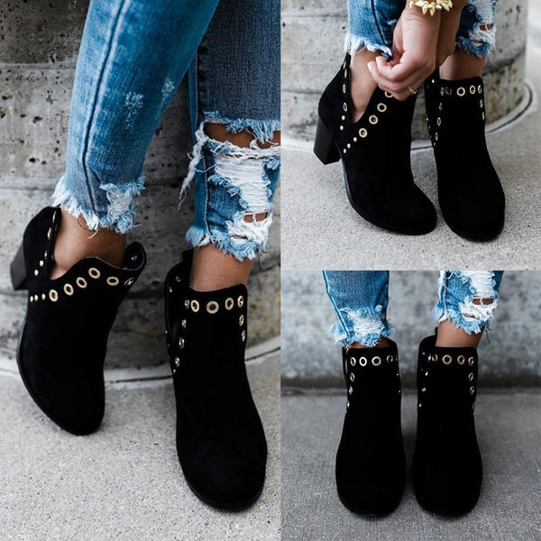 Simple Fashionable Blacks Rivet Ankle Boots