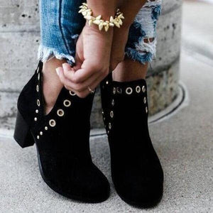 2019 Simple Fashionable Blacks Rivet Ankle Boots