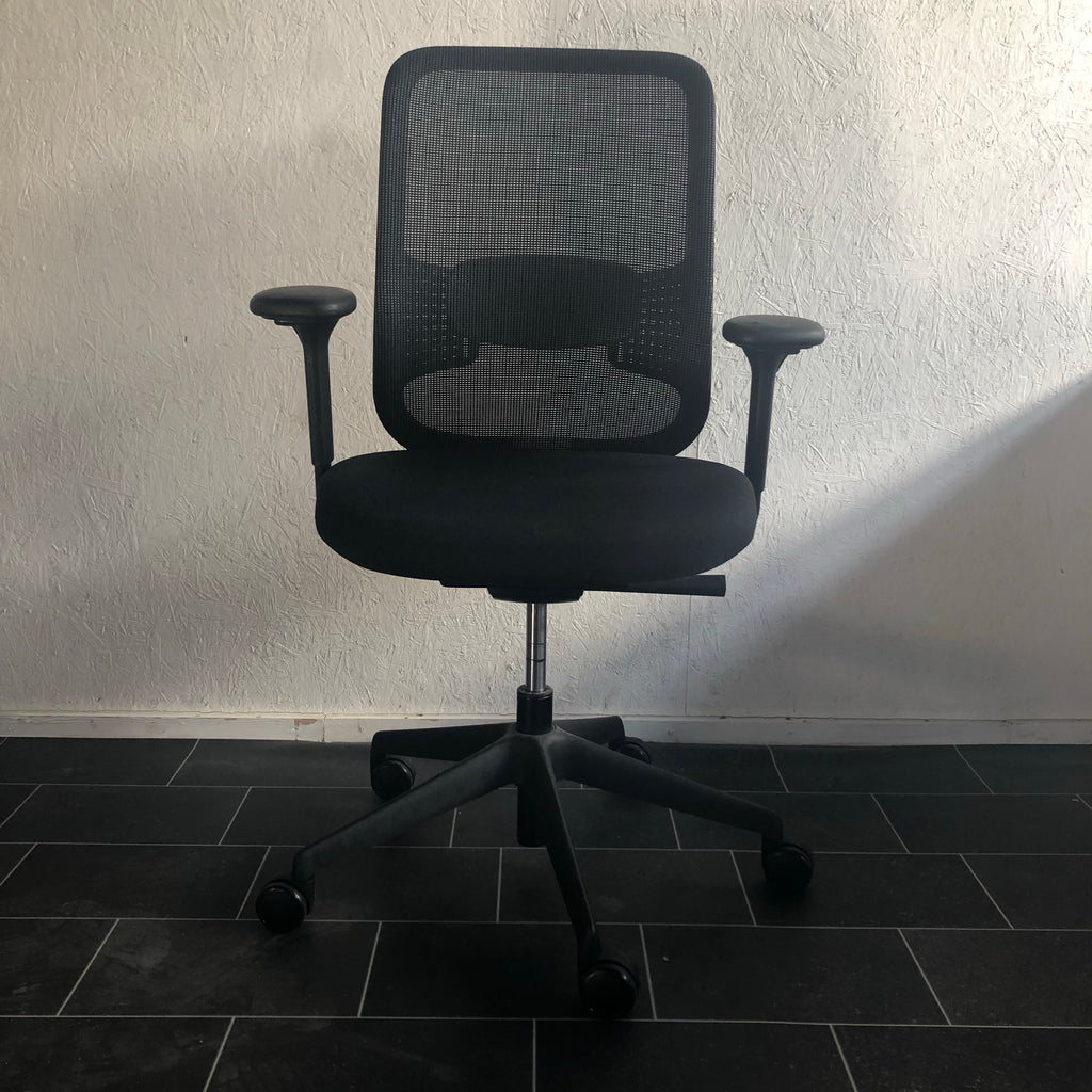 Mesh back operators chair - No Arms