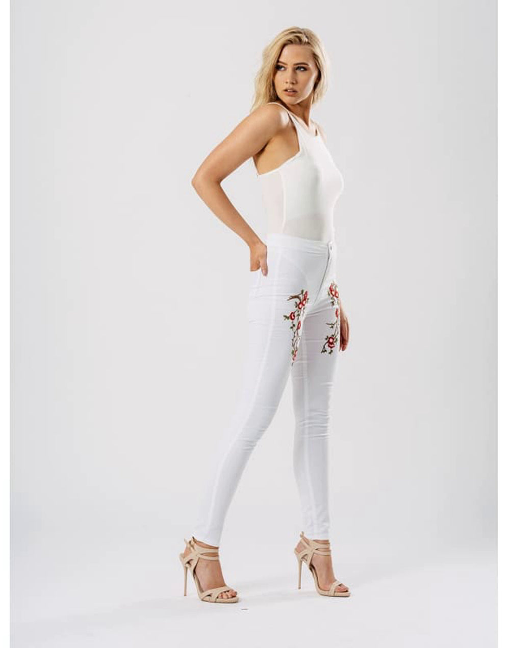 White Floral Embroidered Skinny Jeans - 12 / White - Jeans & Jeggings embellished jeans embroidered skinny jeans fitted trousers floral