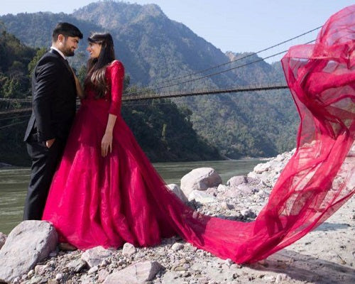 G135 (1),(C) Wine Prewedding Shoot Semi off Shoulder Ball Gown, Size (XS-30 to M-38)