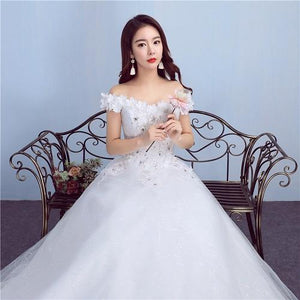 W171, White Off-Shoulder Flower Prewedding Shoot Trail Gown, Size (XS-30 to L-38)