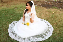 Load image into Gallery viewer, W154, White Ball Gown S1, Size (XS-30 to XXL-44)