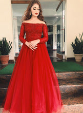 Load image into Gallery viewer, G135 (5), Wine Prewedding Shoot Semi Off Shoulder Ball gown infinity, Size (XS-30 to XXL-35))