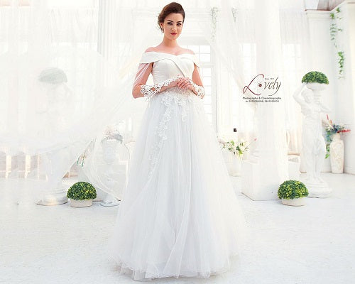 W151 (2), White Off-Shoulder Veil Princess Trail Wedding Gown, Size (XS-30 to XL-40)