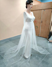 Load image into Gallery viewer, G52, White Maternity Trail Gown, Size (XS-30 to XXL-44)
