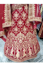 Load image into Gallery viewer, L77, Bridal Rajwadi Thread Work Lehenga, Size (XS-30 to XL-40)