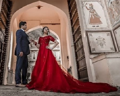 G129, Red Offshoulder Half Sleeves Infinity Prewedding Shoot Trail Ball Gown, Size (XS-30 to L-38)