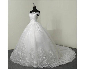 W175, White Off Shoulder Trail Ball Gown, Size (XS-30 to XL-40)